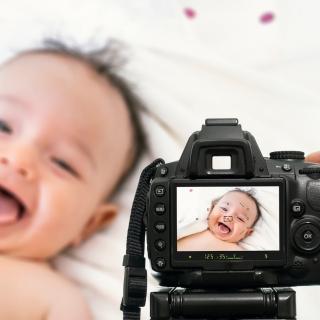 Confiez votre reportage naissance à un grand professionnel : le photographe de votre maternité